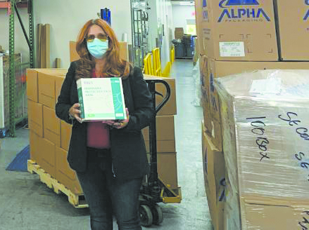 Pharma Natural, Inc. donates 1,000 masks to town staff, police