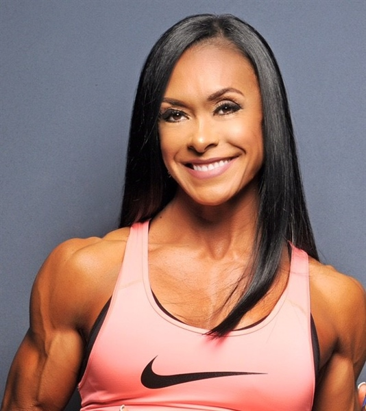 Bodybuilder battles breast cancer