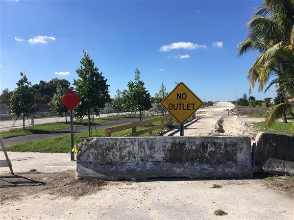 Miami-Dade County postpones removal of Miami Lakes park at Northwest 170th Street