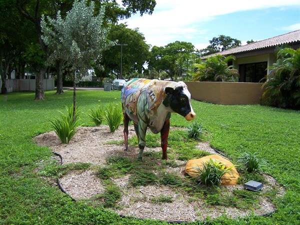 Betsy Moo gets a new garden at the Library