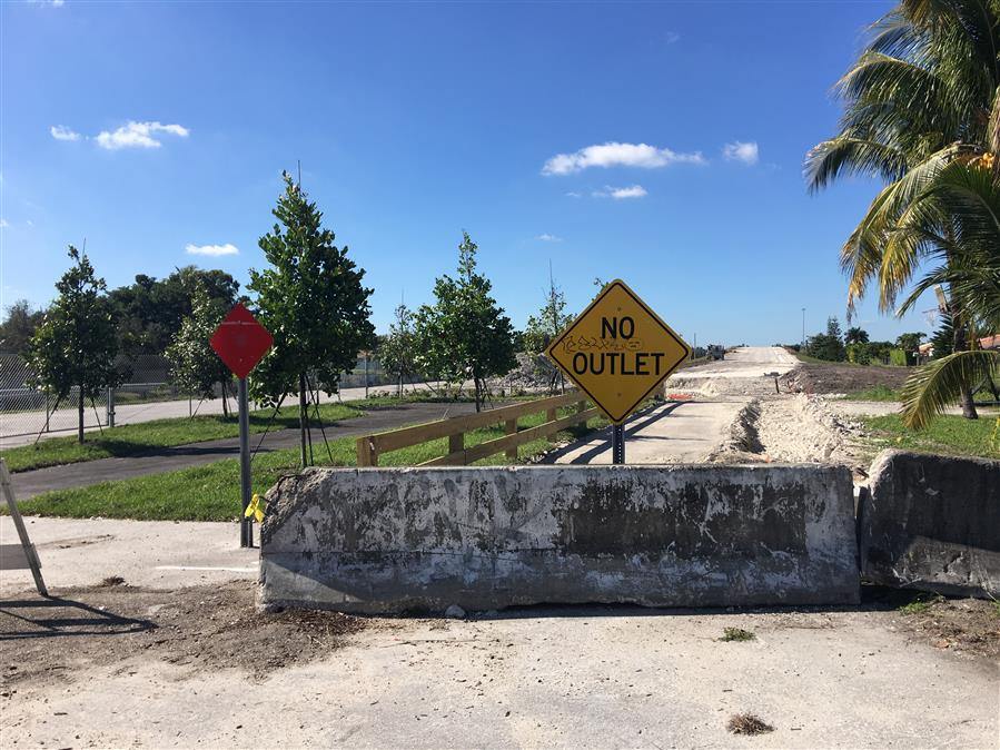 A pocket park built by the Town of Miami Lakes on the eastern side of the Northwest 170th Street bridge. File photo/The Miami Laker.